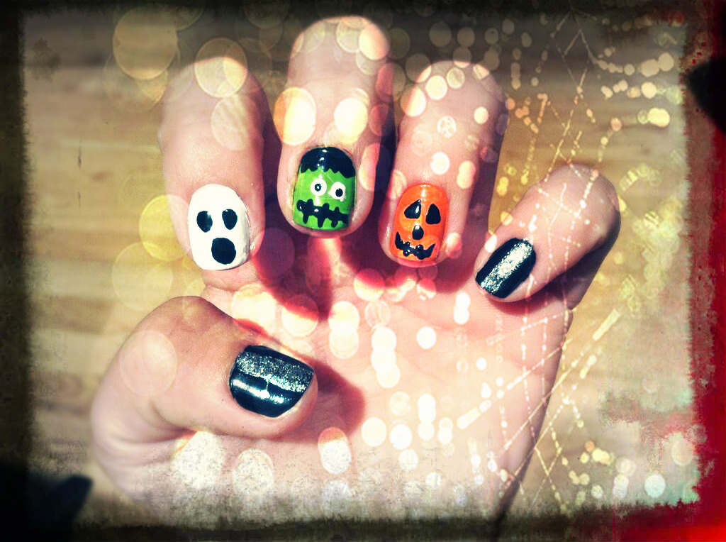 spooky_nails