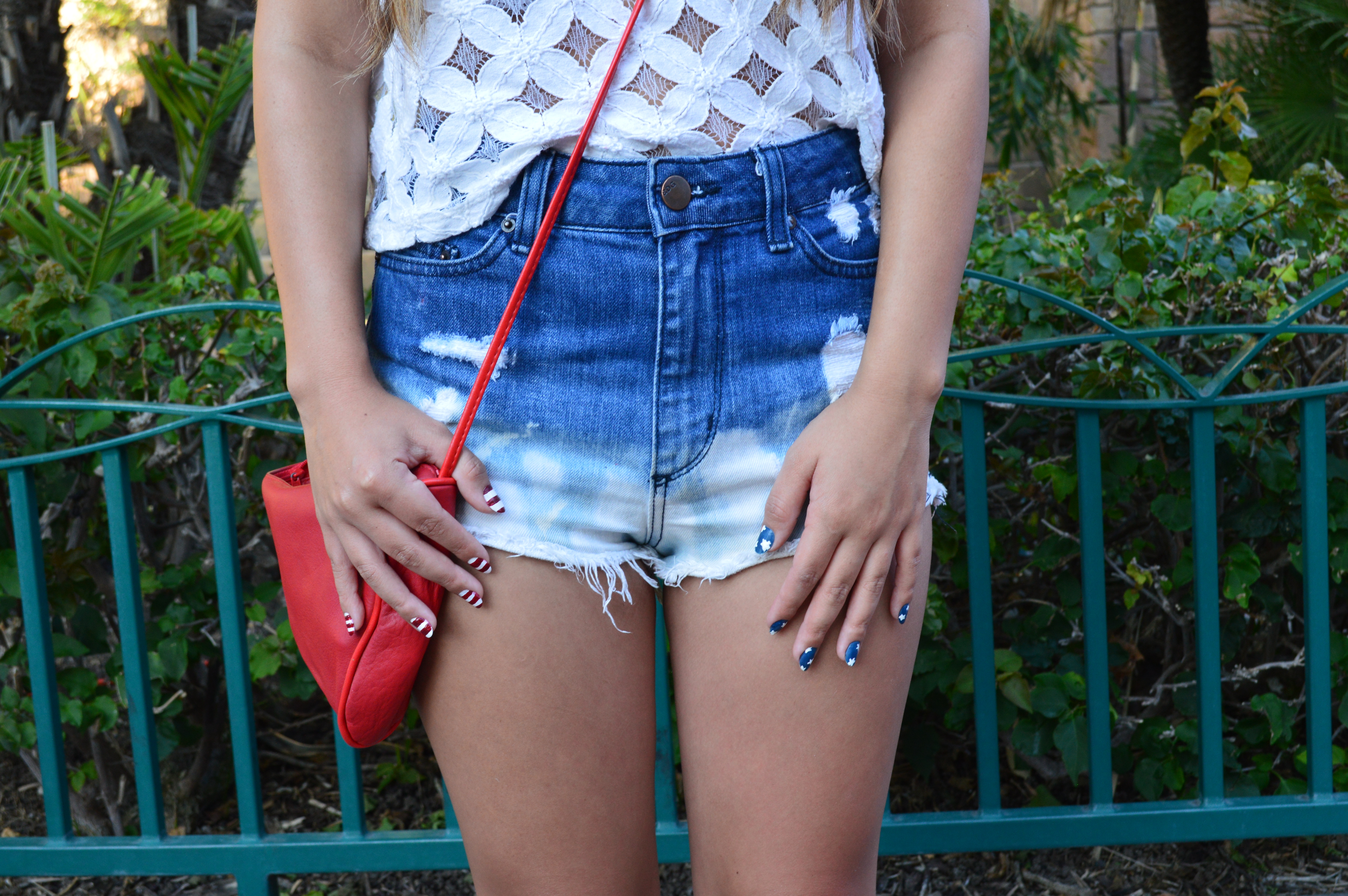 White Washed Daisy Dukes by WorldWideStylista
